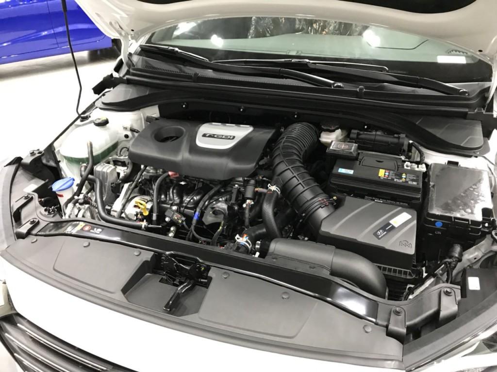 Hyundai Elantra Turbo trang bị động cơ mạnh mẽ thuộc hàng đầu phân khúc